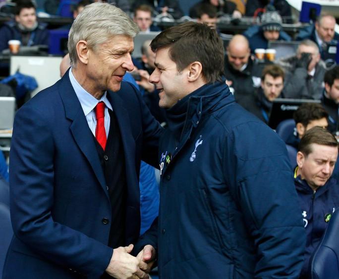 Wenger: Tottenham luôn sống trong sợ hãi - Ảnh 2.