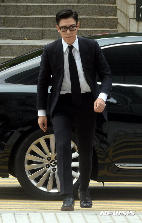 T.O.P (Big Bang) nhận án tù treo 10 tháng vì tội hút cần sa - Ảnh 1.