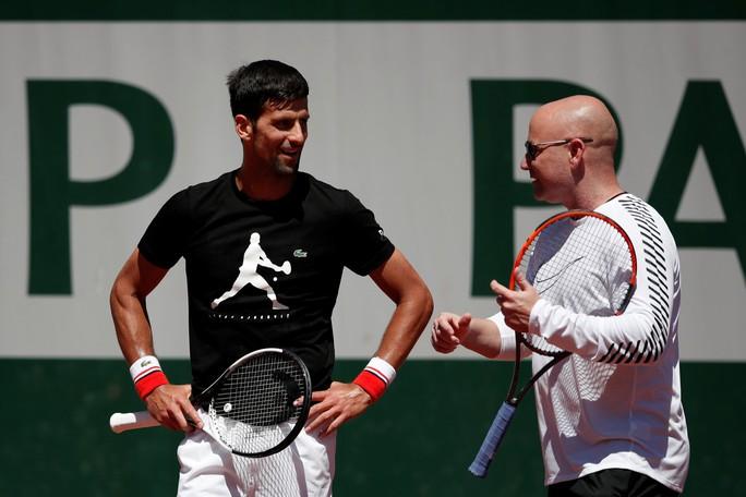 Djokovic ấn định mục tiêu giành 2 Grand Slam mùa giải 2018 - Ảnh 2.