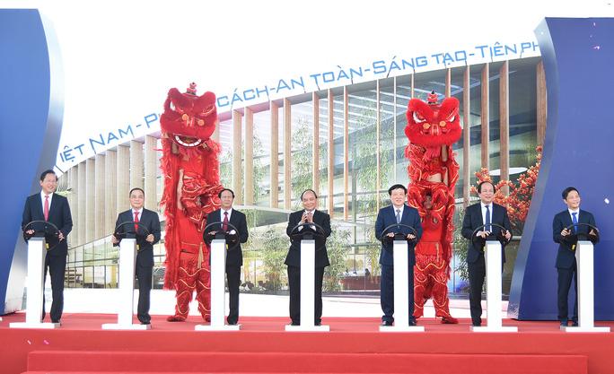 Thủ tướng dự lễ khởi công Dự án Tổ hợp sản xuất ô tô VINFAST - Ảnh 1.