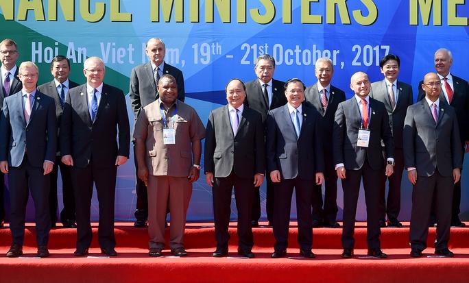 Thủ tướng: Khu vực tồn tại điểm nóng đe doạ môi trường hoà bình, an ninh - Ảnh 5.