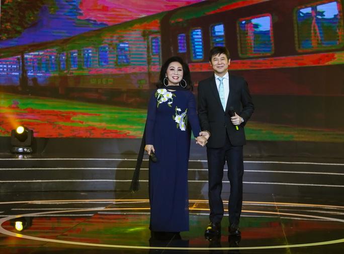 Nghệ sĩ Châu Thanh hát hồ quảng trên nền nhạc EDM - Ảnh 4.