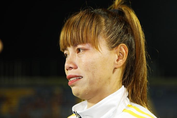 Nữ Việt Nam vô địch: Vui sao nước mắt lại trào - Ảnh 8.