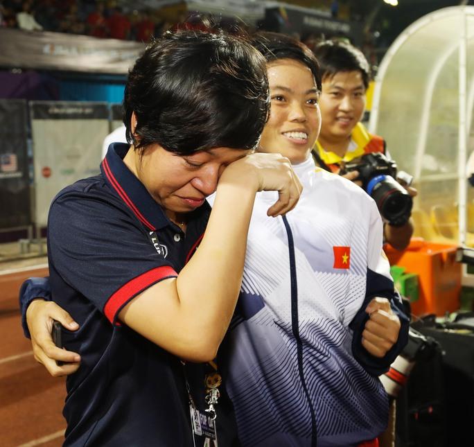 Nữ Việt Nam vô địch: Vui sao nước mắt lại trào - Ảnh 11.