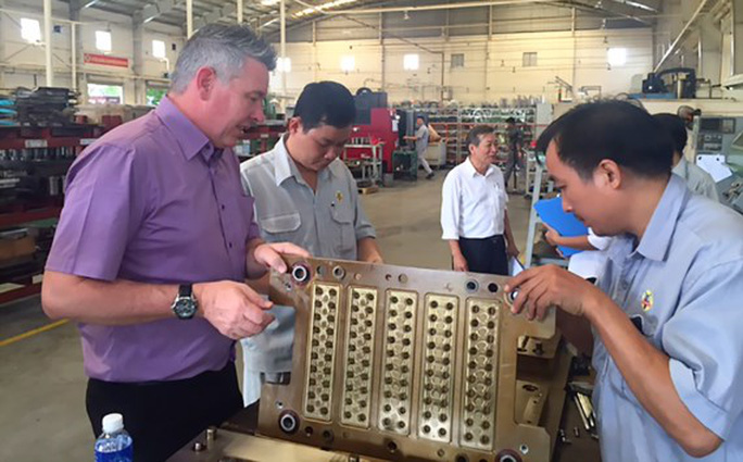Trợ cấp một lần đối với lao động nước ngoài làm việc tại Việt Nam - Ảnh 1.