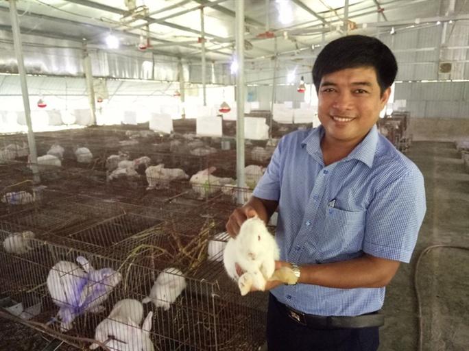 Ông chủ trang trại thỏ 8X - Ảnh 1.