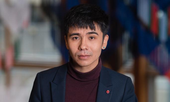 Bí mật của tác giả gốc Việt thắng giải Oscars trong lĩnh vực thơ ca - Ảnh 1.