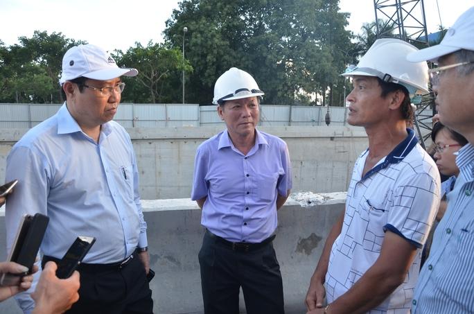 Chủ tịch Đà Nẵng hứa thưởng vài trăm triệu đồng cho công nhân - Ảnh 4.