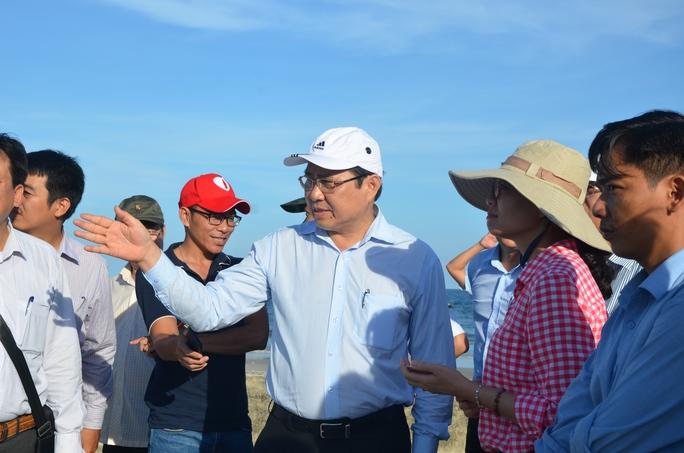Chủ tịch Đà Nẵng hứa thưởng vài trăm triệu đồng cho công nhân - Ảnh 5.