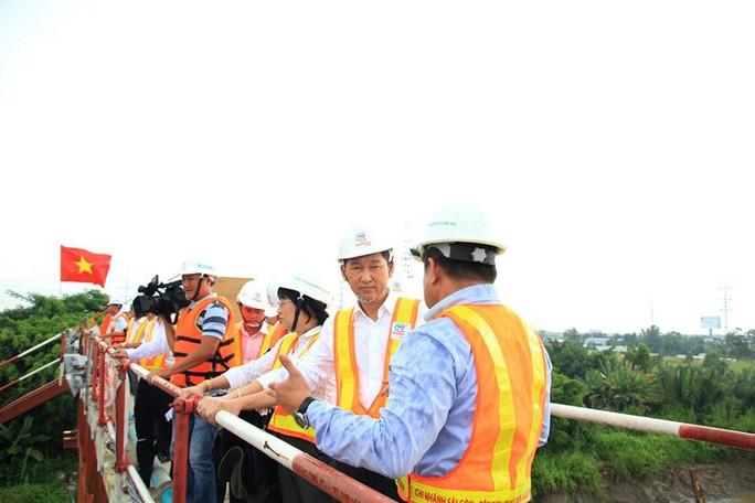 TP quyết liệt đòi mặt bằng cho dự án 10.000 tỉ đồng - Ảnh 1.