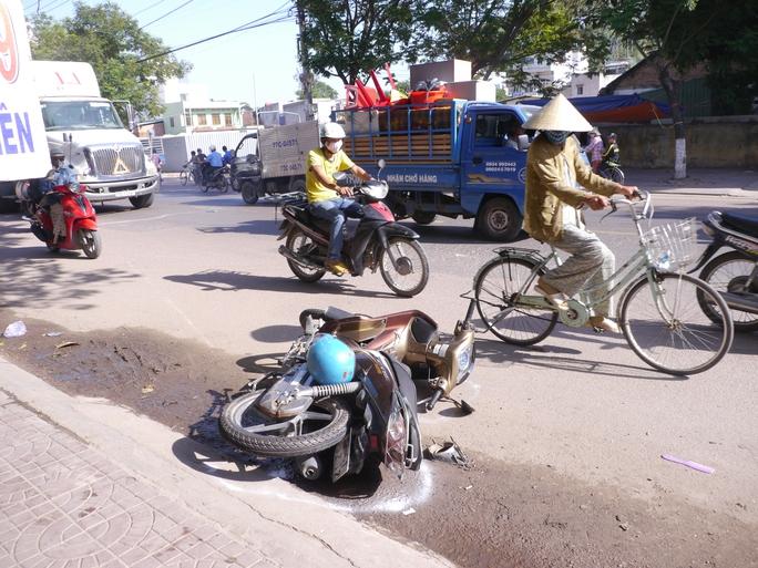 """""""Xe điên"""" đại náo phố biển Quy Nhơn, 6 người nhập viện - Ảnh 2."""