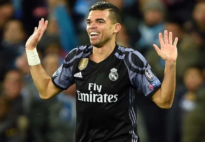 Pepe rời Real Madrid, có thể sang Premier League - Ảnh 1.