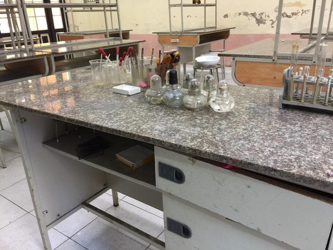 Phòng thí nghiệm trường Phan Đình Phùng, nơi xảy ra sự việc