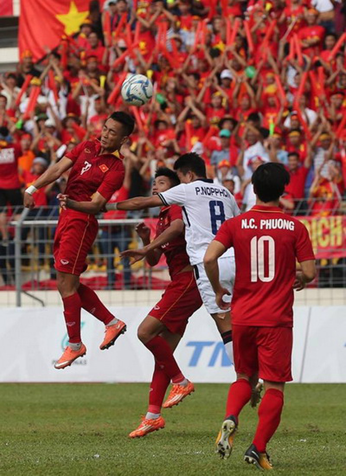 U22 Việt Nam - Thái Lan 0-3: Dừng chân SEA Games, HLV Hữu Thắng từ chức - Ảnh 7.