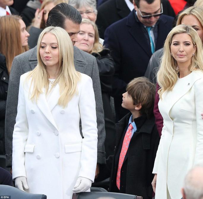 Dàn con cháu nhà ông Trump thu hút mọi ánh nhìn. ảnh: EPA