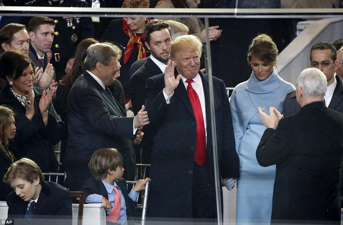 """Đội nhóc tì """"tiểu Trump"""" gây sốt lễ nhậm chức tổng thống Mỹ"""