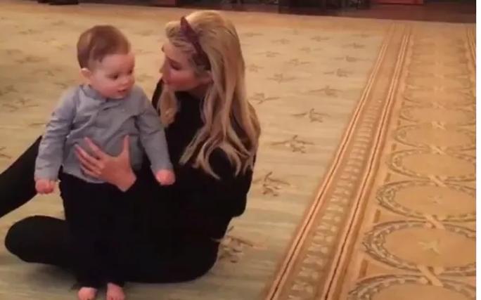 Ái nữ nhà TT Trump khoe ảnh con trai bò lần đầu trong Nhà Trắng