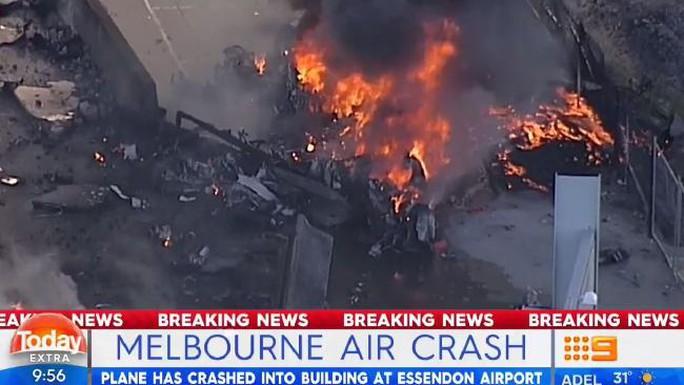 Hiện trường vụ đâm máy bay.