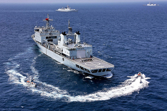 Bộ Ngoại giao và Bộ Quốc phòng Philippines vẫn đang xác nhận những thông tin trên báo giới về vụ các ngư dân Philippines bị quấy rối. Ảnh: AP