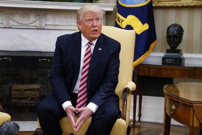 Trải lòng bất ngờ của ông Trump về việc sa thải giám đốc FBI - Ảnh 1.