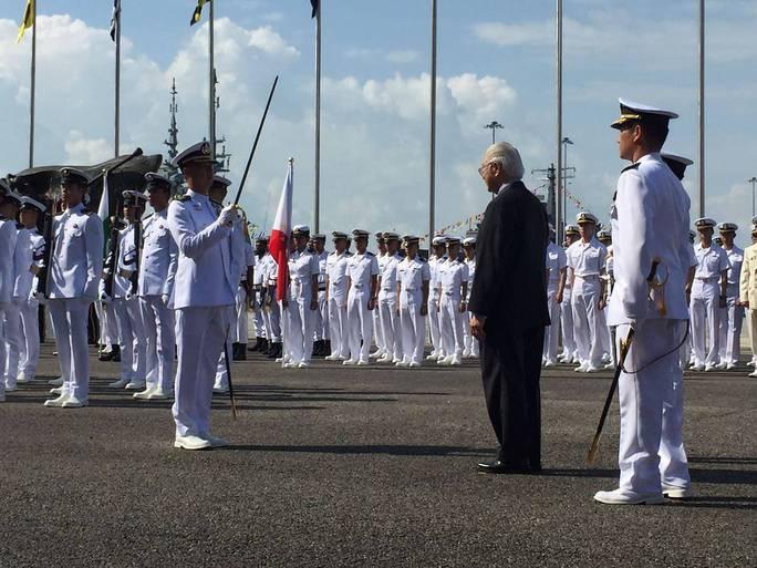 Tàu chiến khắp thế giới đổ về Singapore - Ảnh 2.