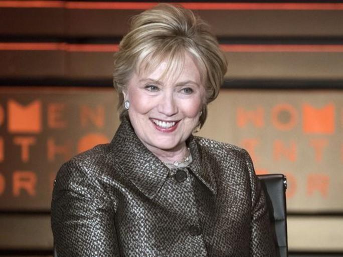 Bà Clinton lập tổ chức chính trị đối đầu ông Trump - Ảnh 1.