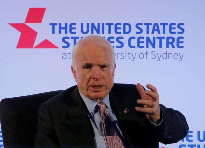 Ông McCain: Trung Quốc hành xử giống kẻ bắt nạt ở biển Đông - Ảnh 1.
