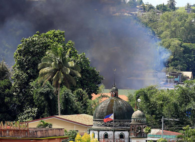 Binh sỹ Philippines lượm được bọc tiền 1,6 triệu USD ở Marawi - Ảnh 1.