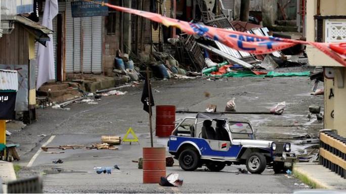 Binh sỹ Philippines lượm được bọc tiền 1,6 triệu USD ở Marawi - Ảnh 2.
