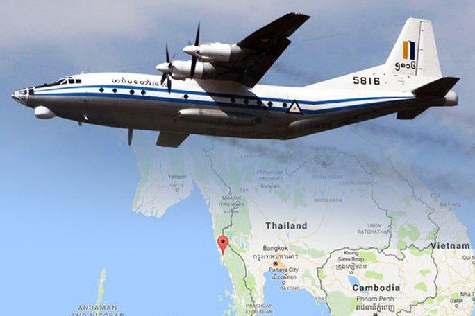 Máy bay Myanmar vỡ trên không? - Ảnh 1.
