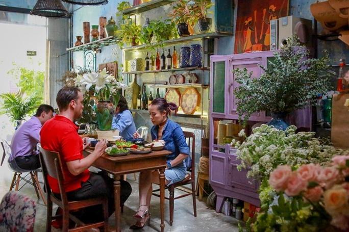 Quán cơm chỉ bán 25 suất mỗi ngày ở Sài Gòn - Ảnh 1.