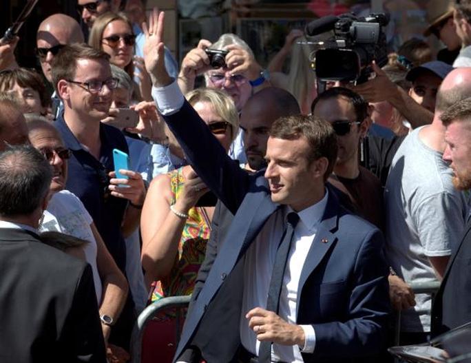 Bầu cử Quốc hội Pháp: Đảng của ông Macron dẫn đầu - Ảnh 1.