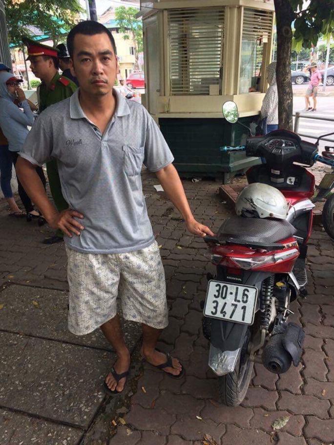 CSGT phát hiện xe máy bị lấy trộm cách đây 7 năm - Ảnh 1.
