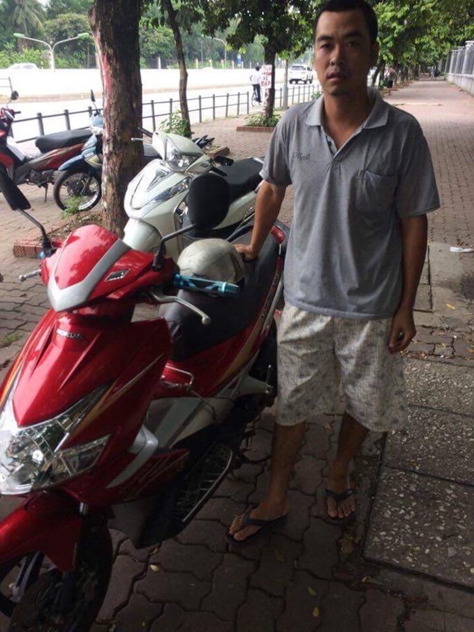 CSGT phát hiện xe máy bị lấy trộm cách đây 7 năm - Ảnh 2.