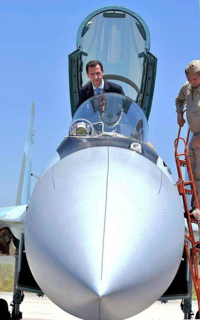 Ông Assad cưỡi chiến đấu cơ SU-35 tại căn cứ không quân Nga - Ảnh 3.