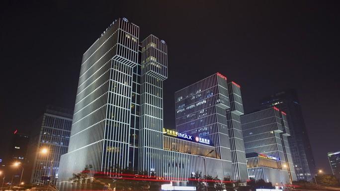 Đại gia hàng đầu Trung Quốc bán tháo tài sản để trả nợ - Ảnh 1.