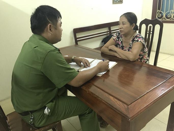 Bắt một phụ nữ tại nhà con gái sau 29 năm bỏ trốn - Ảnh 1.