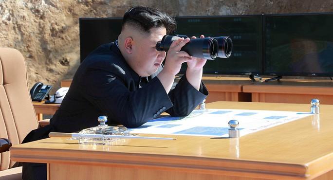 Mỹ dễ dàng đưa ông Kim Jong-un vào tầm bắn? - Ảnh 1.