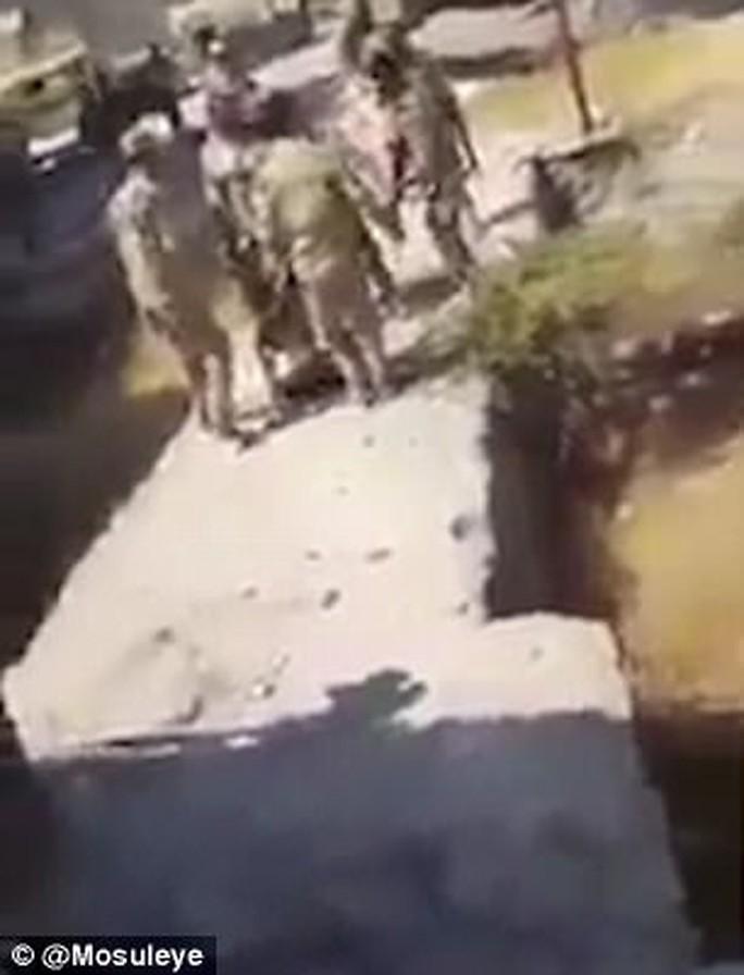 Thời thế thay đổi, đến lượt IS bị hành quyết man rợ - Ảnh 2.