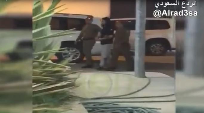 Ả Rập Saudi bắt hoàng tử bị lộ clip sốc - Ảnh 1.