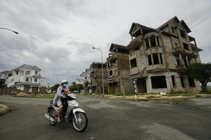 Đổ tiền vào bất động sản, người Việt mê đất hay do thời thế? - Ảnh 1.
