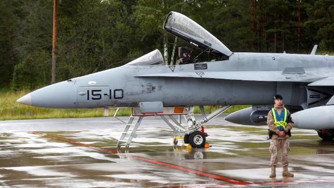 NATO chặn đường chiến đấu cơ Nga gần Estonia - Ảnh 1.