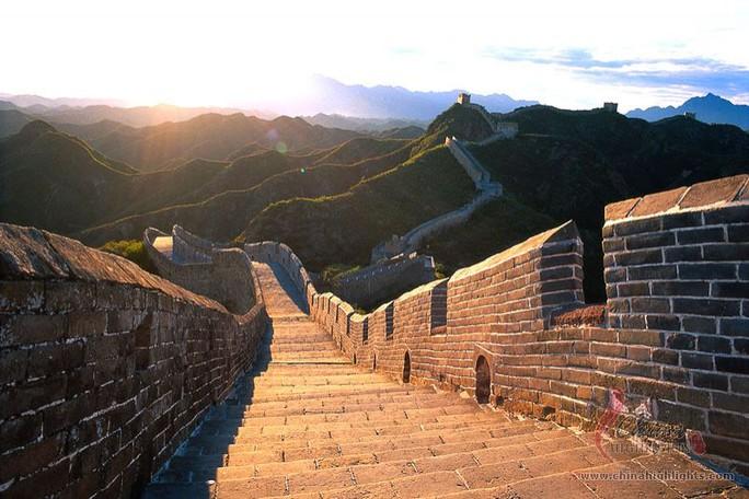 Trung Quốc: Đường sắt cao tốc chạy ngầm dưới Vạn Lý Trường Thành - Ảnh 3.