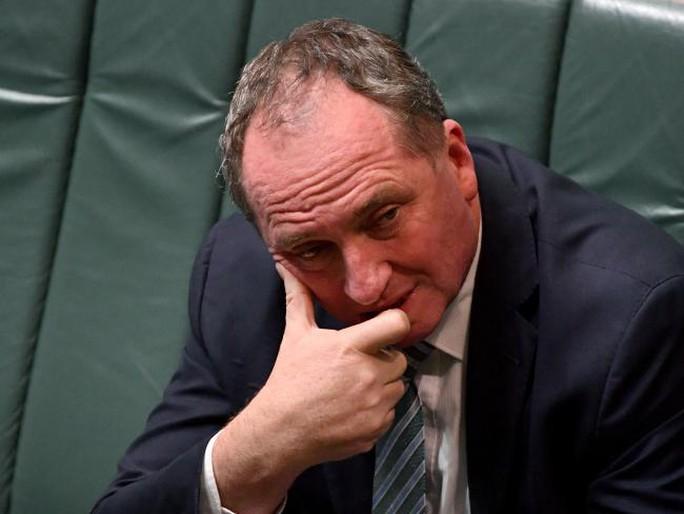 Cơn lốc hai quốc tịch quét tới phó thủ tướng Úc - Ảnh 1.
