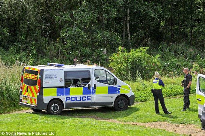 Người đẹp Việt bị thiêu chết ở Anh, bắt 2 nghi phạm - Ảnh 3.