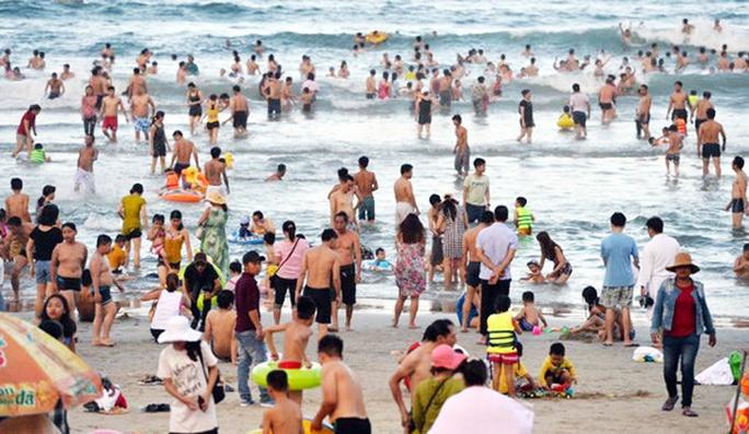 Gây án ở bãi tắm biển Đà Nẵng - Ảnh 1.