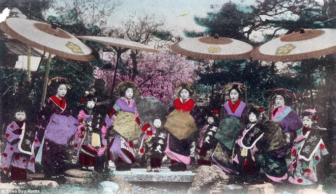 Ám ảnh những góc khuất của các kỹ nữ Nhật Bản xưa - Ảnh 11.