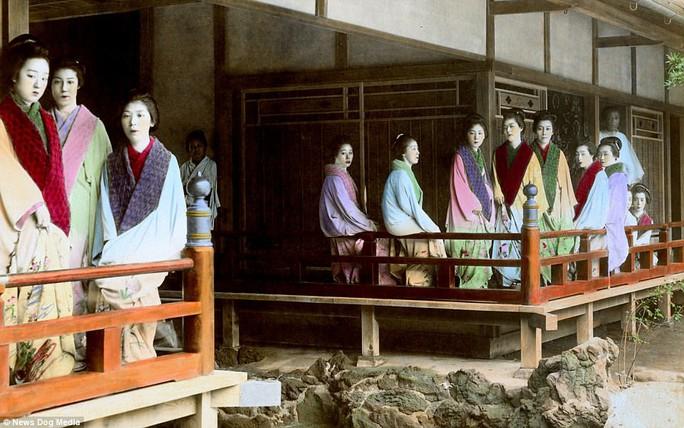 Ám ảnh những góc khuất của các kỹ nữ Nhật Bản xưa - Ảnh 12.