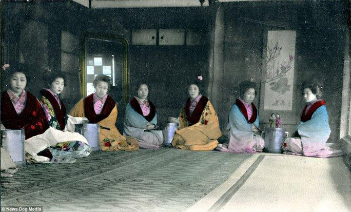 Ám ảnh những góc khuất của các kỹ nữ Nhật Bản xưa - Ảnh 7.