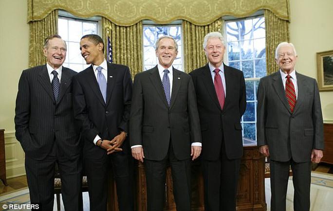 Năm cựu tổng thống Mỹ quyên góp giúp nạn nhân bão Harvey - Ảnh 2.